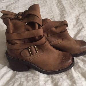 Jeffrey Campbell military style Deanne boots sz 7